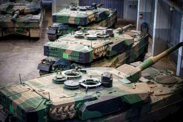 """ポーランド軍がレオパルト戦車の最新モデル""""レオパルト2PL""""を公開"""